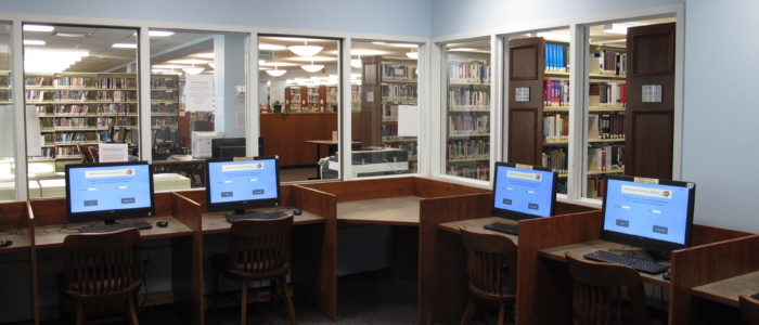 main library tech center with public computers